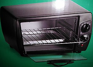 Pigeon by Stovekraft 12382 20-Litre OTG without Rotisserie (Black) price in India.